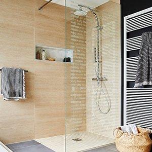 plafonnier salle de bain vous avez une salle de bain assez sombre. Black Bedroom Furniture Sets. Home Design Ideas